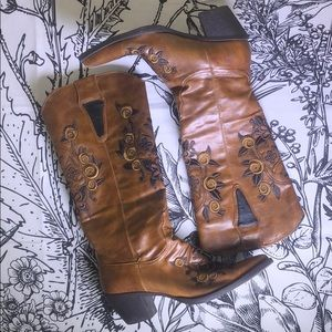Roper Skull & Floral Embroidered Cowgirl Boots
